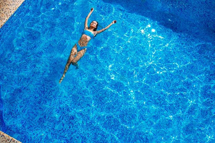 бассейн на курорте Воеводино